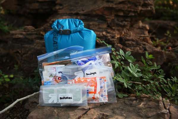 contents of a sample first aid kit